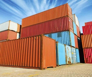 recyle_shipping_containers